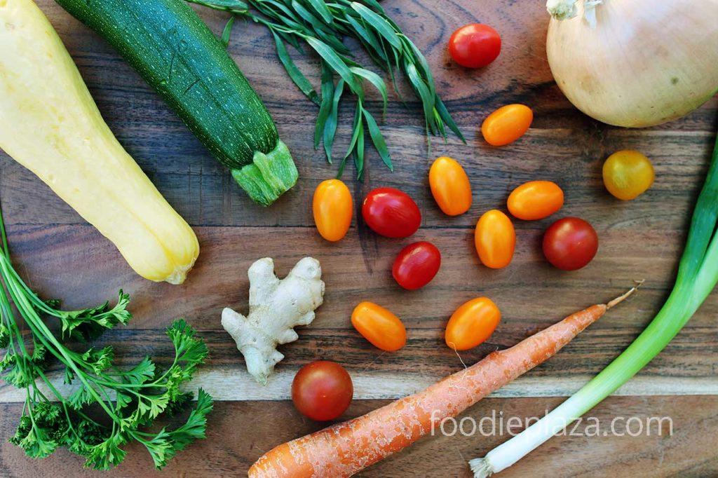 Овощи и травы для корт-бульона