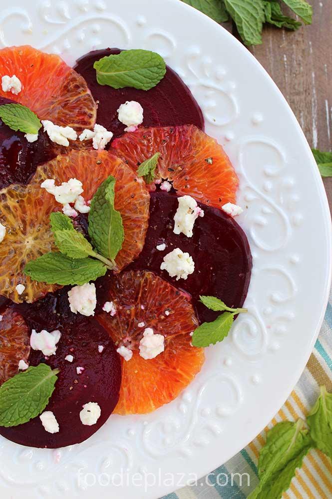 Салат из свеклы, апельсина, сыра фета и мяты