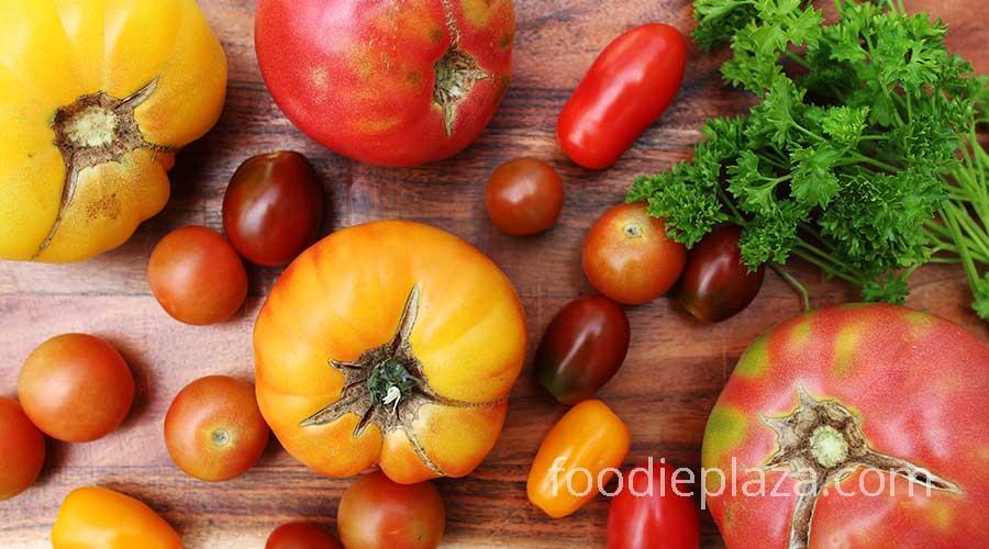 Красные и желтые помидоры