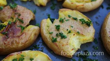 Раздавленный запеченный картофель в духовке