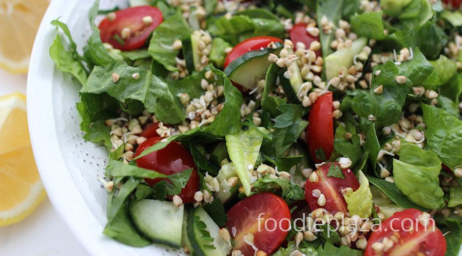 Салат из пророщенной гречки овощами