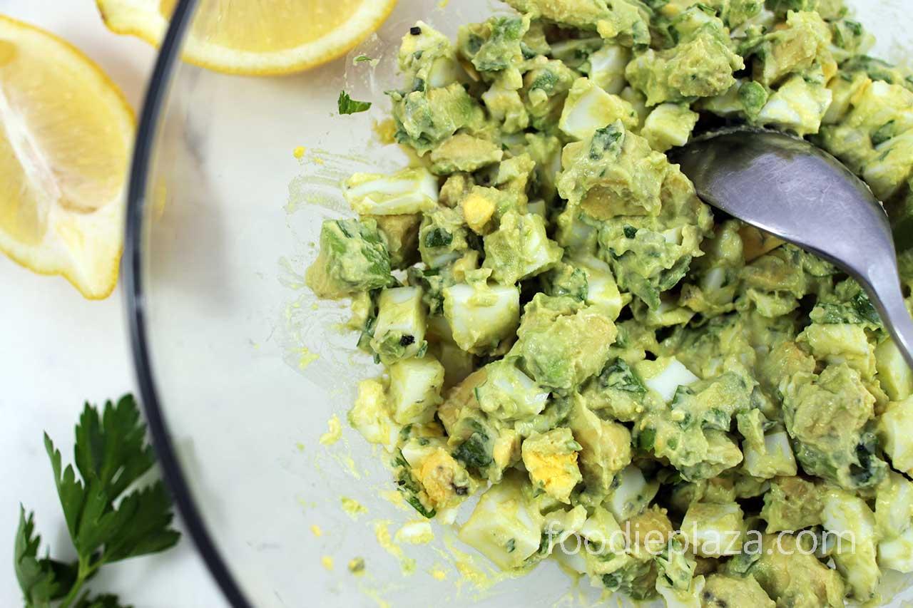 Салат из яиц и авокадо